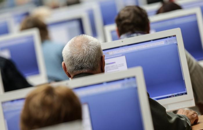 Минкомсвязи запретит депутатам обновлять лицензии назарубежноеПО