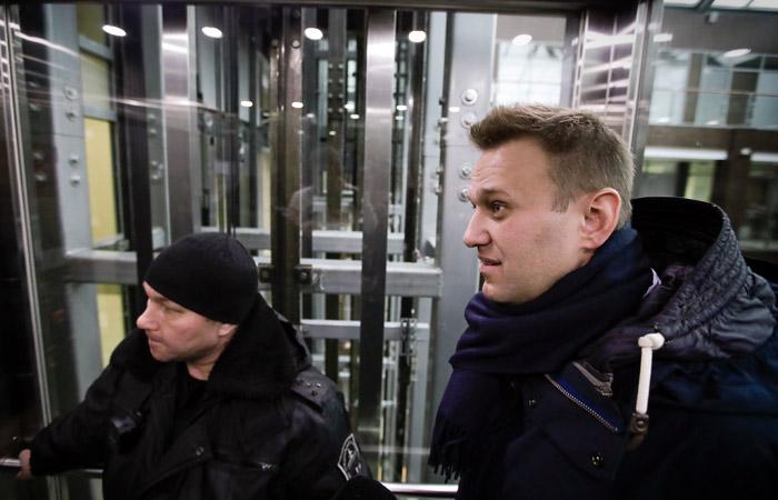 Навальный прибыл в кировский суд