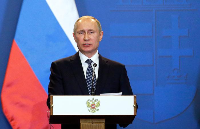 """Путин объяснил обострение ситуации в Донбассе попыткой Киева """"выбить деньги"""""""