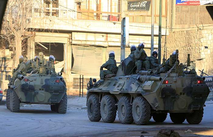 Минобороны опровергло подрыв автомобиля с российскими военными в Сирии