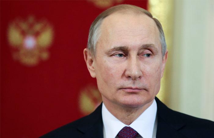 Путин подписал закон о декриминализации домашних побоев