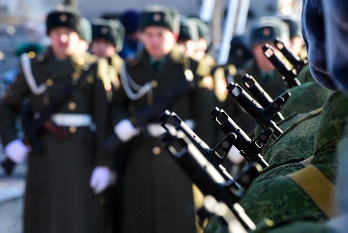 Рогозин проинформировал, что Росгвардия должна быть вооружена «дозубов»