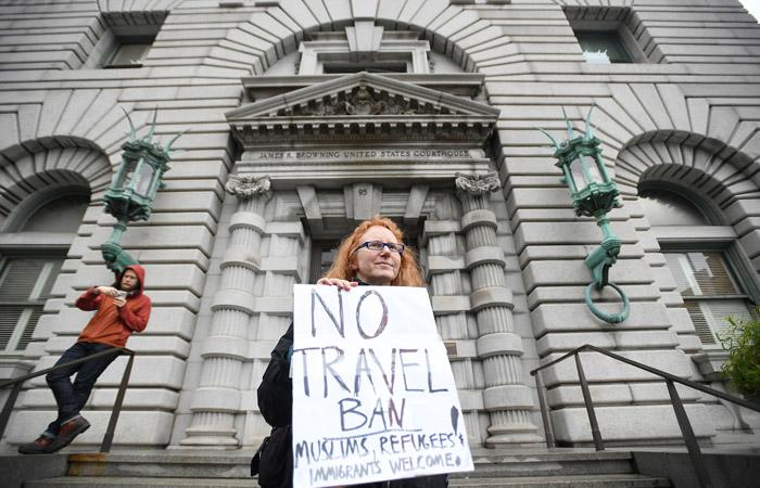 Апелляционный суд США отказался снять запрет наиммиграционный приказ Трампа