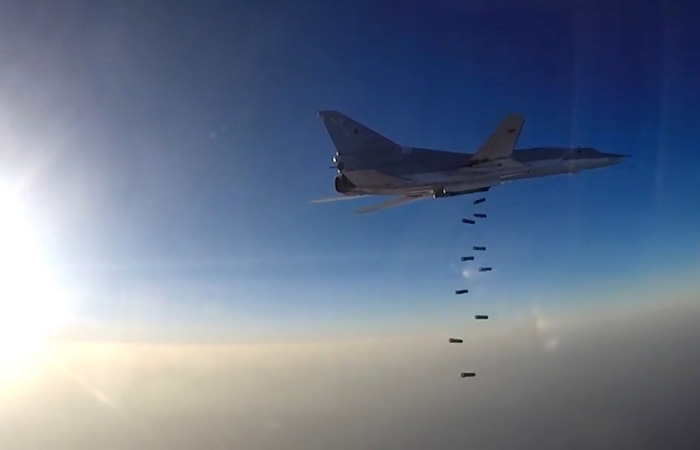 """""""Коммерсант"""" назвал возможную причину авиаудара РФ по турецким войскам в Сирии"""