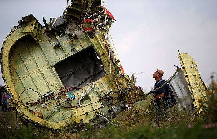 Росавиация предложила Нидерландам помощь поделу окрушении MH17 вДонбассе