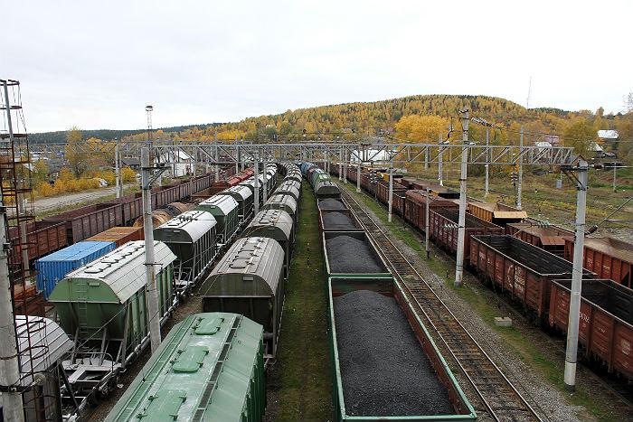 Участники «угольной блокады» грозят блокировать железнодорожное сообщение Украины сРФ