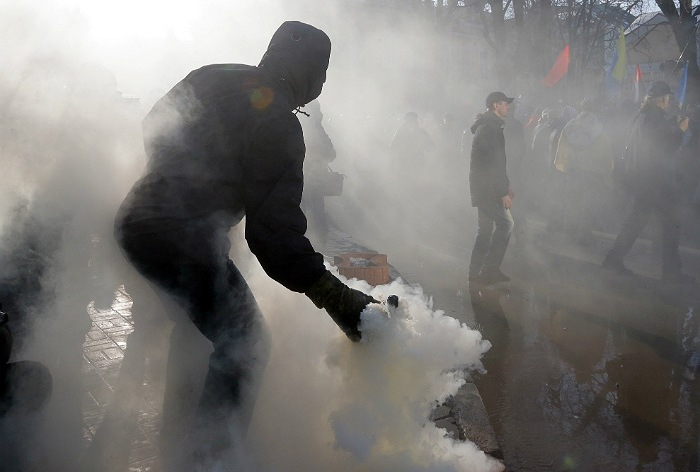 Националисты напали наполицию вКиеве