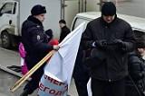 Во Владивостоке задержали организаторов акции против установки ЭРА-ГЛОНАСС