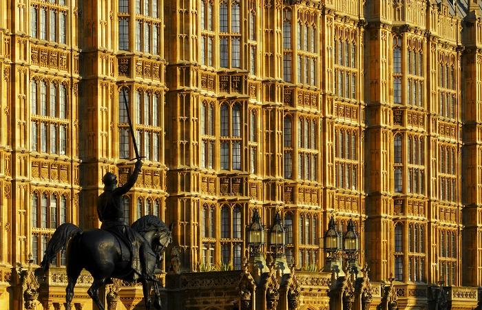 "Парламент Великобритании одобрил аналог ""закона Магнитского"""