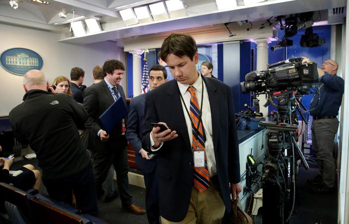 Журналистов CNN и других СМИ не пустили на брифинг в Белый дом