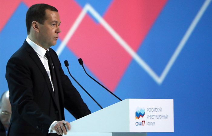 Медведев заявил о стабилизации ситуации на рынке труда РФ