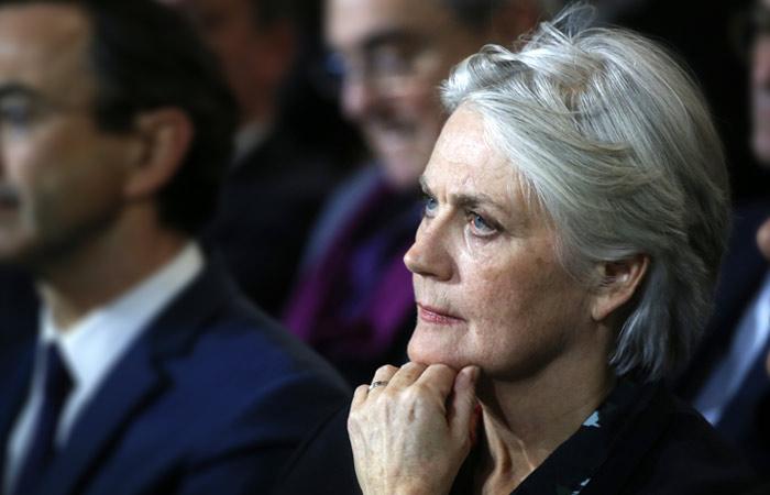 Жену кандидата в президенты Франции Фийона поместили под стражу