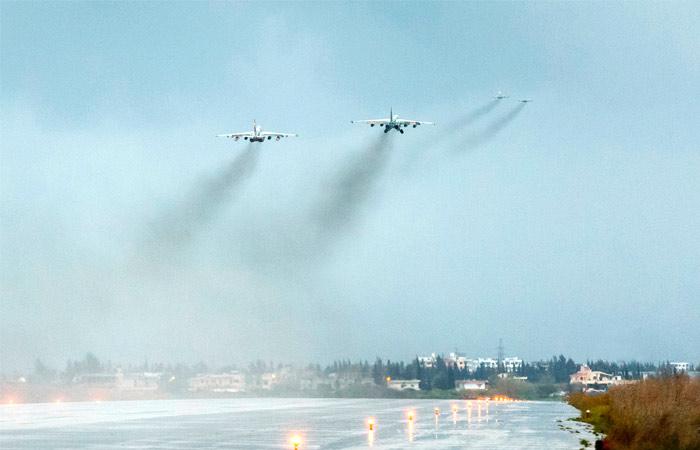 Российская авиация нанесла удар по поддерживаемым США бойцам в Сирии