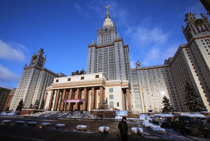 Минобрнауки закрыло отказавшийся рассмотреть работу Мединского диссовет при истфаке МГУ