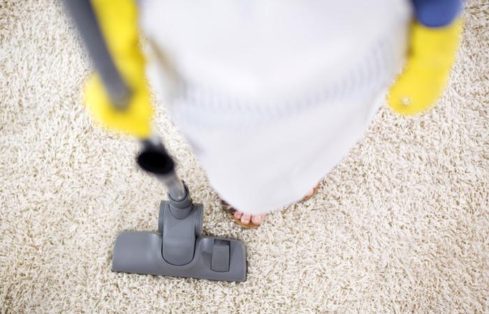 Специалисты посчитали стоимость неоплачиваемого женского труда— готовки, уборки иухода задетьми