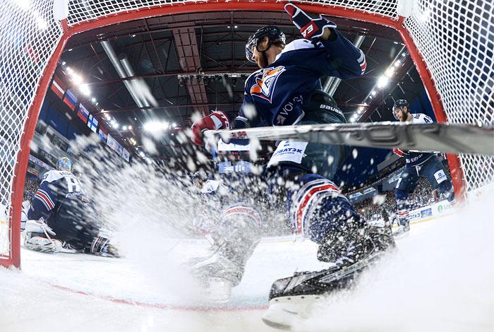 «Магнитка» разгромила «КуньЛунь» ивышла вследующий этап Кубка Гагарина