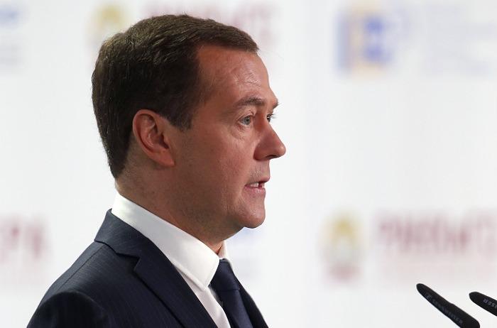 Медведев пообещал оставить гособлигации добровольными