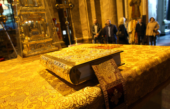 В музее Исаакиевского собора сочли нереальным вывоз экспонатов до 16 апреля