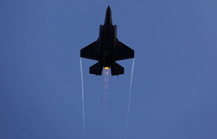 """Израиль объяснил авиаудары по позициям """"Хезболлы"""" в Сирии"""