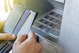Visa разрешила владельцам банкоматов брать комиссию за снятие денег