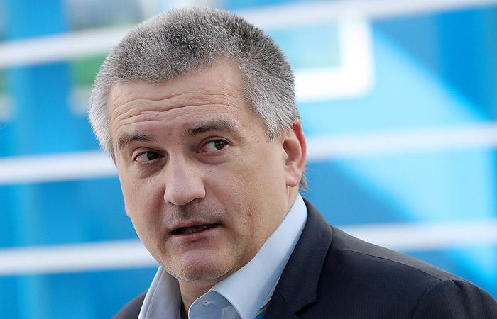 Аксенов объяснил свое объявление онеобходимости введения монархии в Российской Федерации