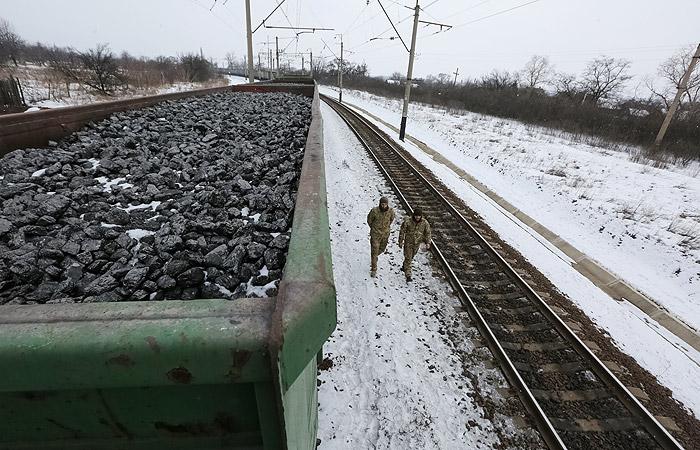 Перенос решения вопроса о помощи МВФ Украине связали с блокадой Донбасса