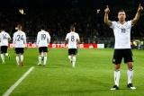 Подольски провел гол Англии в прощальном матче за Германию