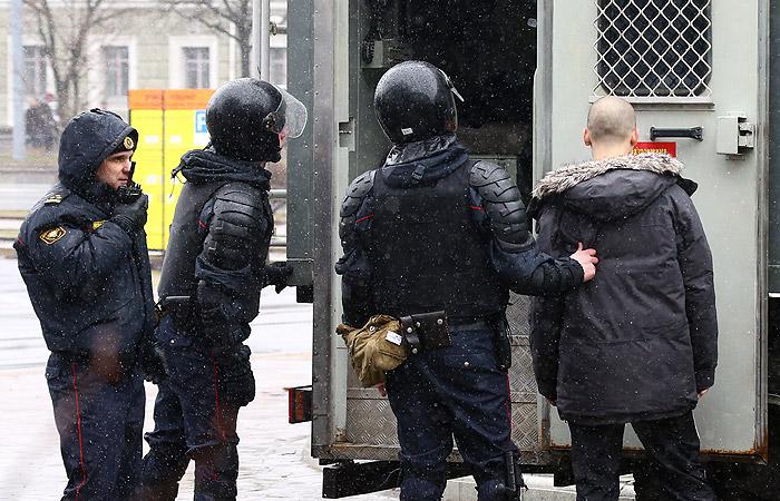 Несанкционированная акция в Минске завершилась массовыми задержаниями