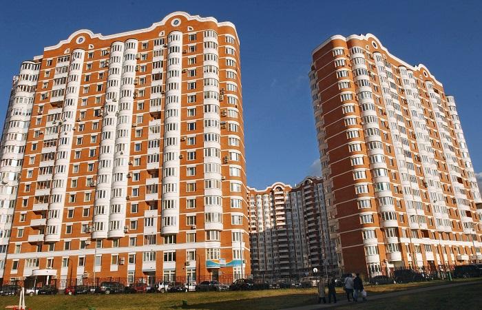 Росреестр требует снести жилые комплексы Батуриной наземлях МГУ