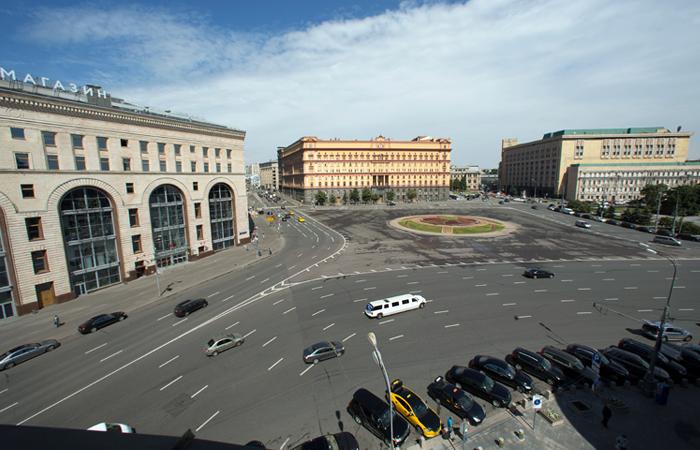 Мэрия Москвы признала технически невозможным установить фонтан на Лубянской площади