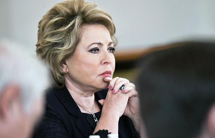 Матвиенко призвала разобраться, почему жители России вышли наакции протеста