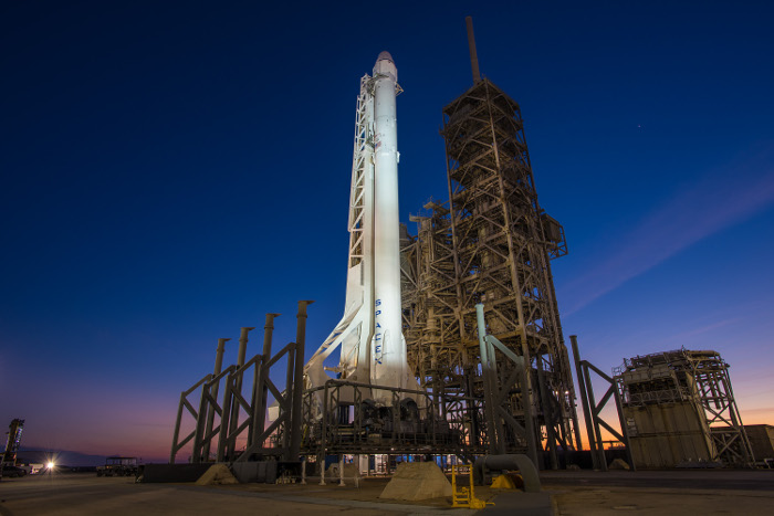 SpaceX впервые в истории запустила и посадила уже летавшую ракету-носитель