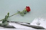 На Колыме четыре человека погибли в провалившемся под лед автомобиле