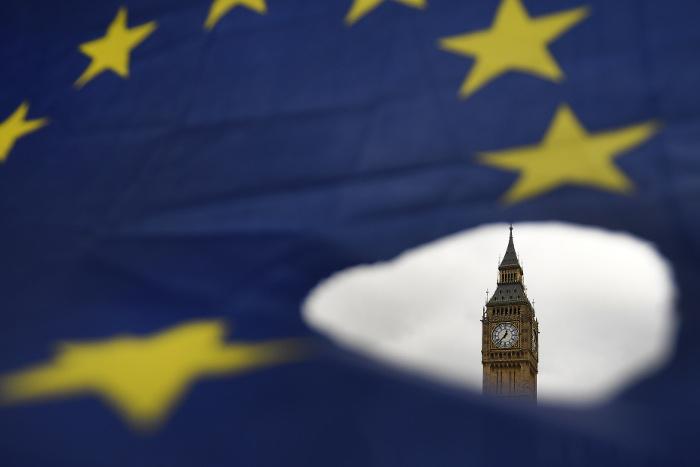 Европарламент принял резолюцию поусловиям Brexit