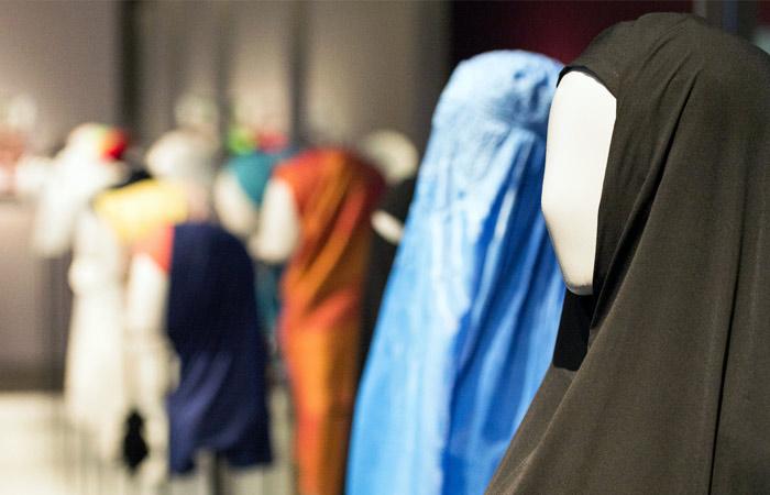Парламент Чечни одобрил ношение хиджабов вшколе