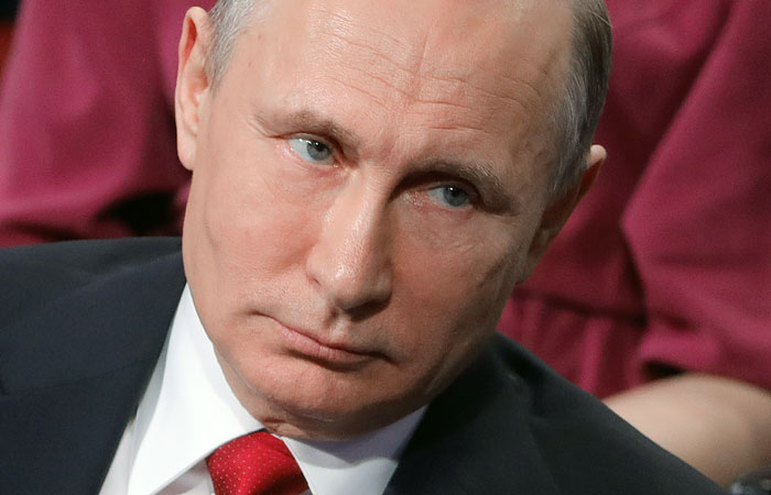 Владимир Путин: рассматриваются все версии взрывов вПетербурге