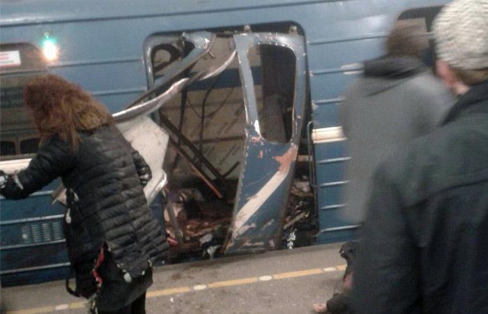 Взрыв в петербургском метро. Хроника