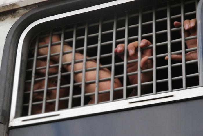 """В Петербурге задержали шесть мигрантов по подозрению в вербовке в """"ан-Нусру"""" и ИГ"""