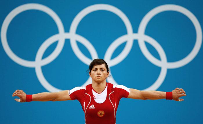 Штангистку Светлану Царукаеву лишили серебряной медали