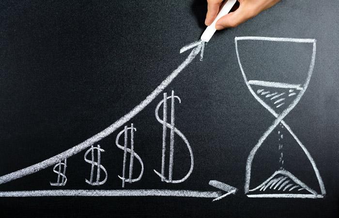 Минэкономразвития предсказывает рост вложений денег на2,1% к 2020