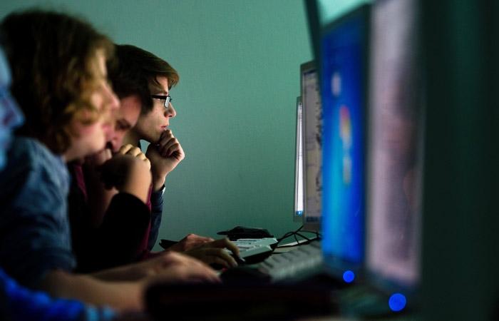 Около 47% граждан России посчитали, что ихжизнь не поменяется без интернета