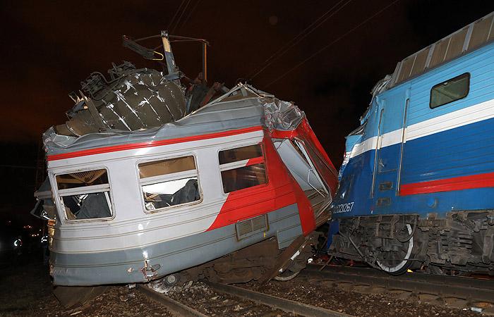 Машинисту электрички в Москве вынесли приговор после столкновения двух поездов..