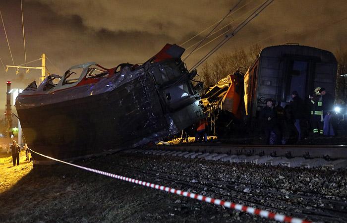 В больницах Москвы остались восемь человек после столкновения поездов