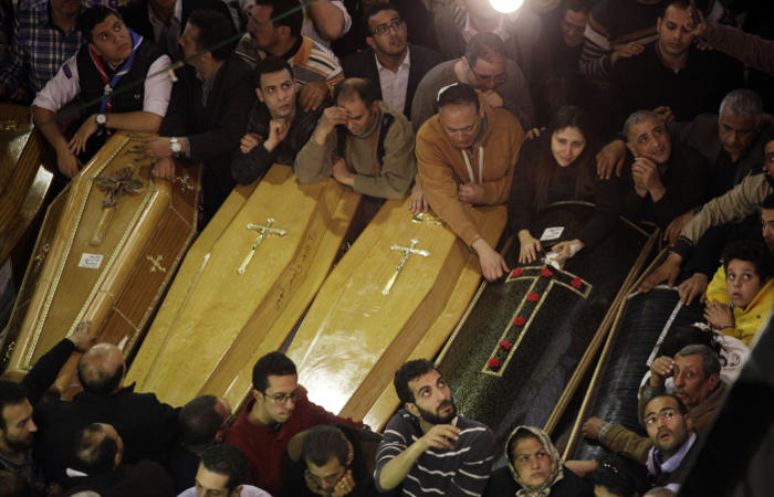 В Египте после взрывов у коптских церквей на три месяца введено чрезвычайное положение