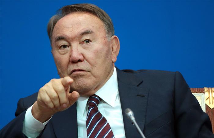 Назарбаев распорядился перевести казахский алфавит на латиницу