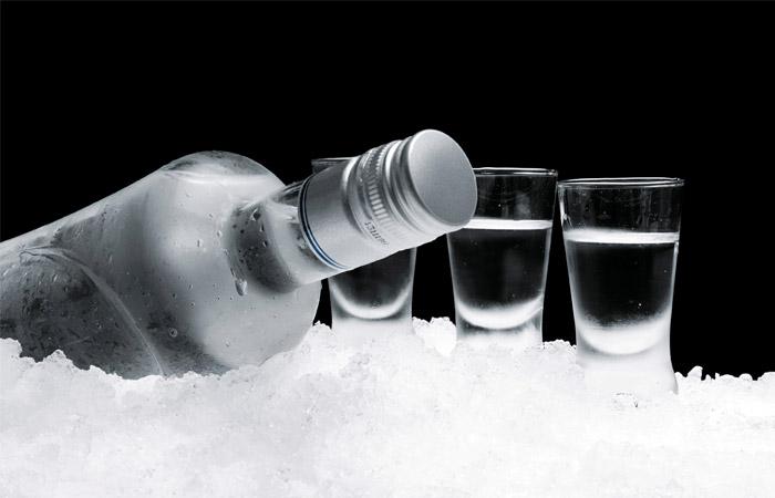 Минимальная цена бутылки водки в России будет повышена до 205 рублей