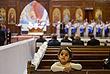 Египетские христиане-копты на пасхальной службе в Каире