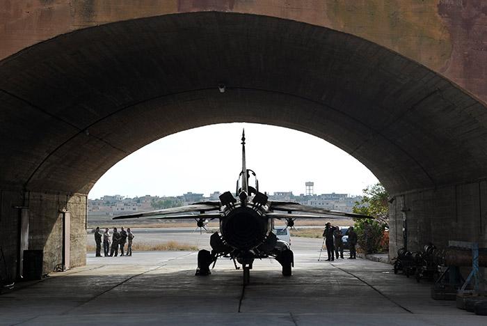 CNN узнал о переброске сирийской авиации ближе к российской военной базе