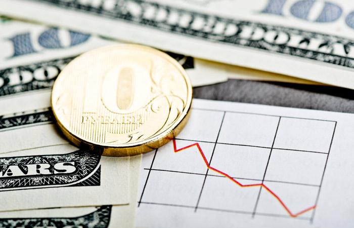 Орешкин анонсировал ослабление курса рубля во II-III квартале