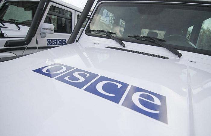 Сотрудник СММ ОБСЕ незаконно перевозил посылки украинских курьерских служб